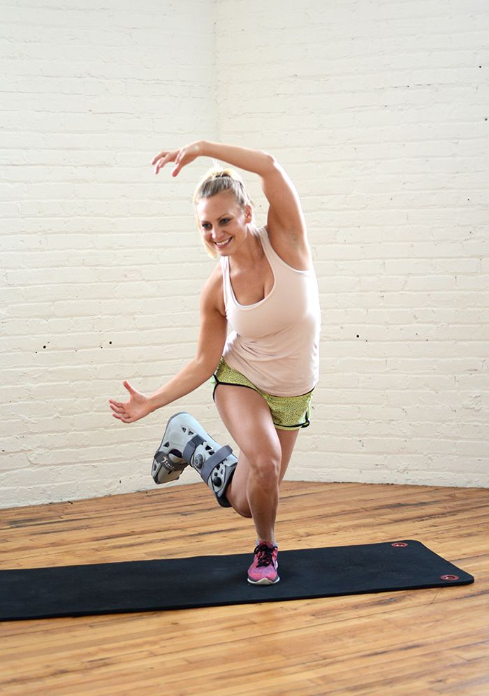 Got a broken foot and still want to rock your lower body and core? I have just the single-leg workout for you! Don't worry- if you've got two working feet, you're in luck because you can do it too!