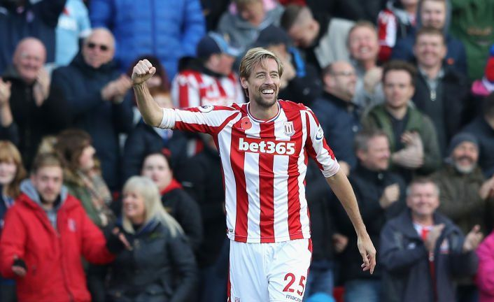 Peter Crouch signs new contract at Stoke City
