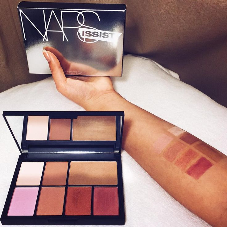 Here it is! Swatches of the NARSissist Cheek Studio Palette ! The payout colour of all the shades are just amazing! They're so pigmented, and blends so well! We have a beautiful array of colours with shimmer that isn't overpowering, but just enough to give you a nice glow! If you would like to know more about this product from us don't hesitate to ask!