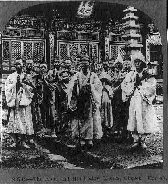 The Abbe and his fellow monks [Buddhists?], Chosen (Korea)