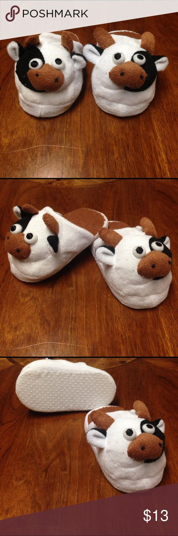 """NWOT 6"""" Cow Slippers-- I have 10 pairs available Cow slippers NWOT size 6"""" unbranded Shoes Slippers"""