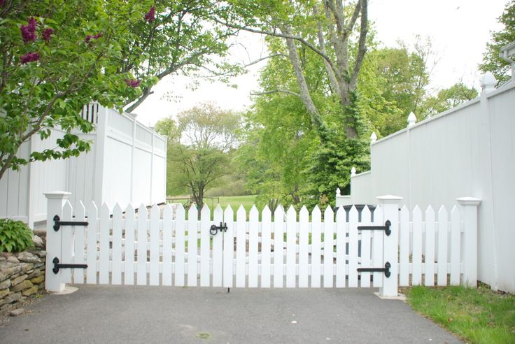 Driveway Fence Upon Entering Through The Driveway Gate