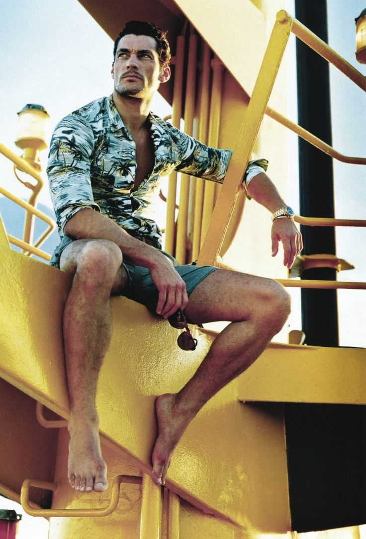 Men's tropical shirt w/ palms & solid shorts. Nice for cruise & beachwear.