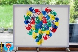 Schilderij van handjes voor moederdag – knutselen
