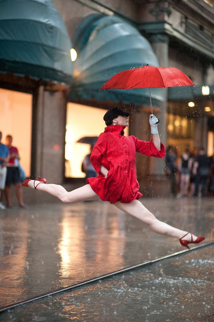 "NYC. Dancer crossing the street at Macy's. I would like to know the ""Basic-Street-Safety-when-Walking"" rules for dancers on the rain // Annmaria Mazzini in Jordan Matter's  book: Dancers Among Us"