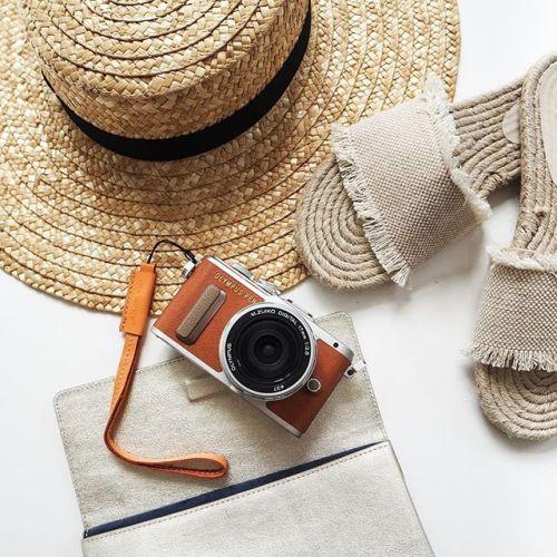 Není čas ztrácet čas. Tak vzhůru za novými zážitky. Krásný víkend všem. #olympus #olympuspengeneration #epl8 #mujolympus #summer #relax #holiday #fashion #blogger #camera via Olympus on Instagram - #photographer #photography #photo #instapic #instagram #photofreak #photolover #nikon #canon #leica #hasselblad #polaroid #shutterbug #camera #dslr #visualarts #inspiration #artistic #creative #creativity