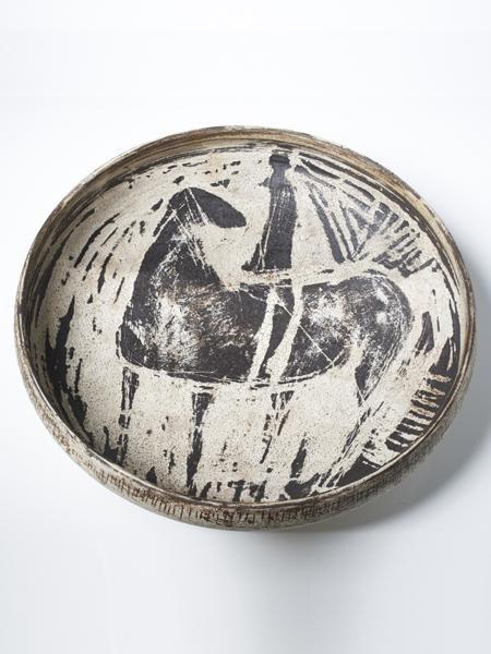Hans Coper, Sgraffito Bowl circa 1954. Image by Sylvain Deleu