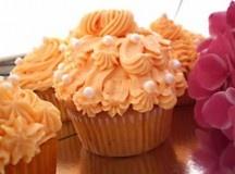 Portakallı Cupcake Tarifi  Farklı lezzetler tanıtmaya devam ediyoruz.  Portakallı Cupcake;  Malzemeler  Devamını Oku: http://www.kektariflerimiz.com/portakalli-cupcake-tarifi.html