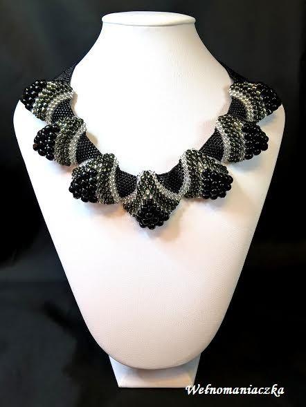 Wełnomaniaczka: Czarno-srebrny naszyjnik z koralików Toho