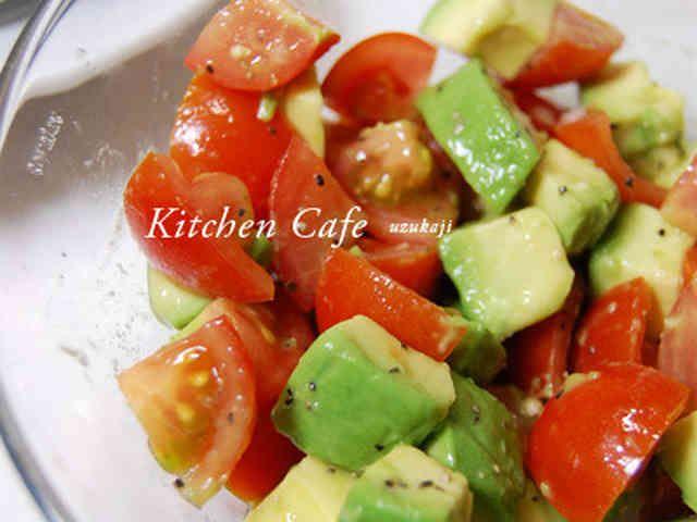 トマト&アボカドのサラダの画像