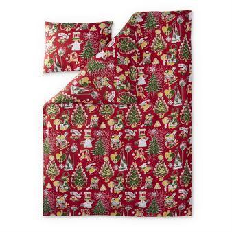 Gör julfint i barnrummet med Julmumin bäddset från Finlayson. Julmumin är ett härligt mjukt och skönt bäddset av finaste kvalitet. Det har ett fint julmotiv med karaktärerna från berättelserna om Mumintrollen, bland annat Too-Ticki som åker skidor. Ett måste i jul!