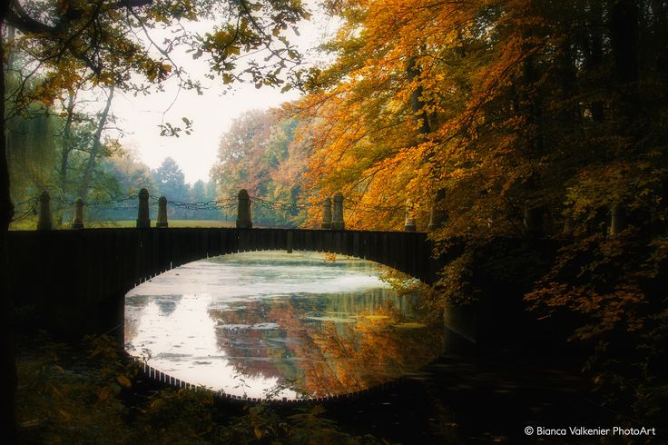 https://flic.kr/p/MMWx1w | Indian summer | The bridge in Hemmen surrounded by autumn colored trees