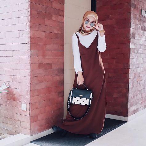 morning   wearing slip dress from @selysena ✨  •  @saranghae_management