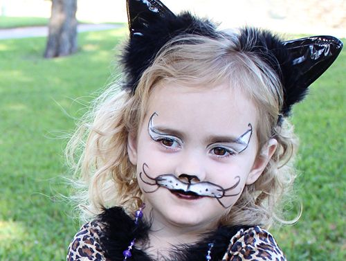 Easy Cat Face Paint Idea for a Halloween Costume. #halloween #cat