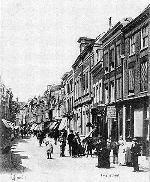 Utrecht op zondag   Binnenstad   Twijnstraat 1905