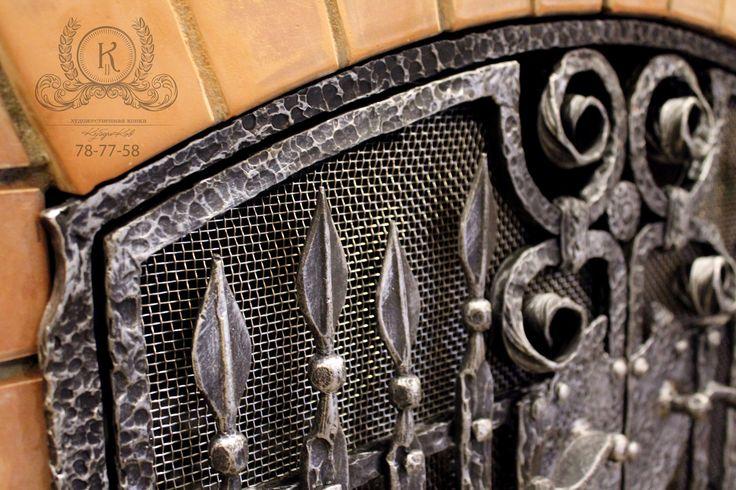 """Кованые каминные дверцы. Дополнительное декорирование печи. Для загородного дома в стиле """"охотничий домик""""  Каминные дверцы, имеют две створки со съемной нержавеющей сеткой, позволяющие производить чистку, если потребуется.  Дверцы окрашены жаростойкой краской в два слоя, черного цвета. Сами дверцы легко-съемные с петель.  Нанесение патины WS Plast """"Silver"""""""