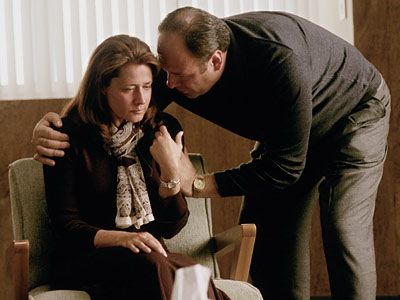 TONY SOPRANO (JAMES GANDOLFINI) AND JENNIFER MELFI (LORRAINE BRACCO)  The Sopranos (1999-2007)