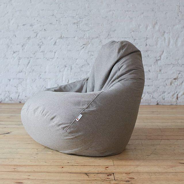 """Как прекрасно, что можно просто посидеть в любимом кресле. Кресло-мешок """"Сальвадор"""" подойдет для чтения захватывающей книги или просмотра интересного фильма. Только смотрите не усните🙃 Кресло слишком удобное😇 . Описание кресла: Съемный чехол: рогожка Основа: прочный внутренний чехол с пенополистиролом Габариты: 120х85 см . Цена: 5800 Доставка по РФ🚚 Для заказа пишите в Директ или WhatsApp💌masterskaya_kreslo"""