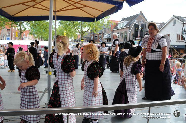 Spakenburgse dagen - optreden op het podium Foto: info@docterfred.nl