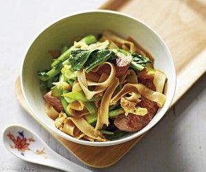 Michelle Bridges' lamb and Asian greens stir fry recipe from her brand new cookbook Superfoods!
