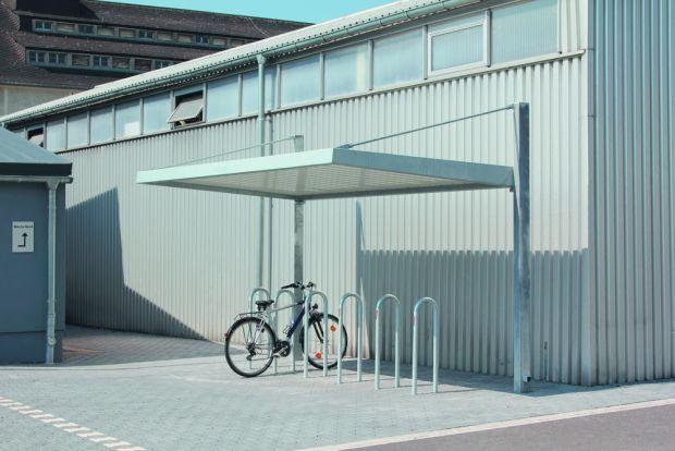 Fahrradüberdachung LIPTO Dachlänge x Dachtiefe 4,50 m x 2,46 m, Stahlkonstruktion feuerverzinkt, Dacheindeckung Trapezblech