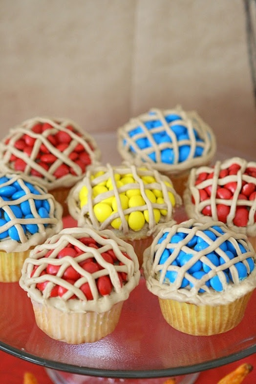 I love these pie cupcakes to add a little color next to the white cake.