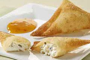 Simple Crab Rangoon Recipe.    You can also bake them in the oven at Bake at 425 °F for 8-10 minutes or until golden brown.