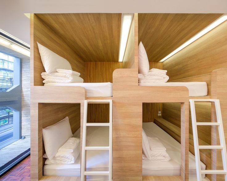 Yim Huai Khwang Hostel / Supermachine Studio: