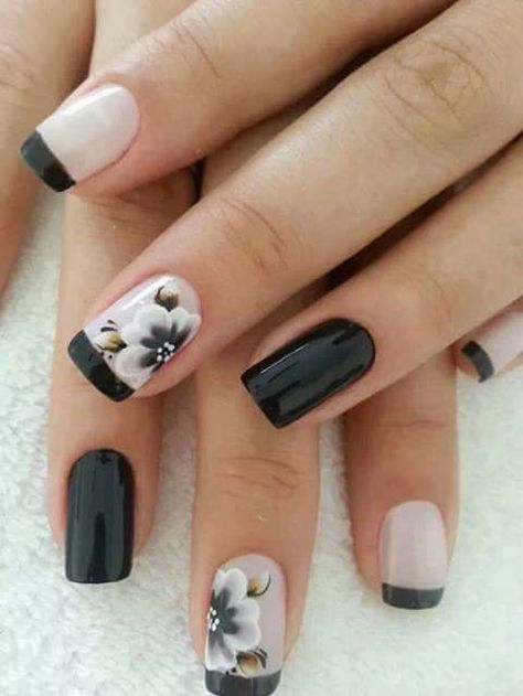 Glossy French manicure with flowers