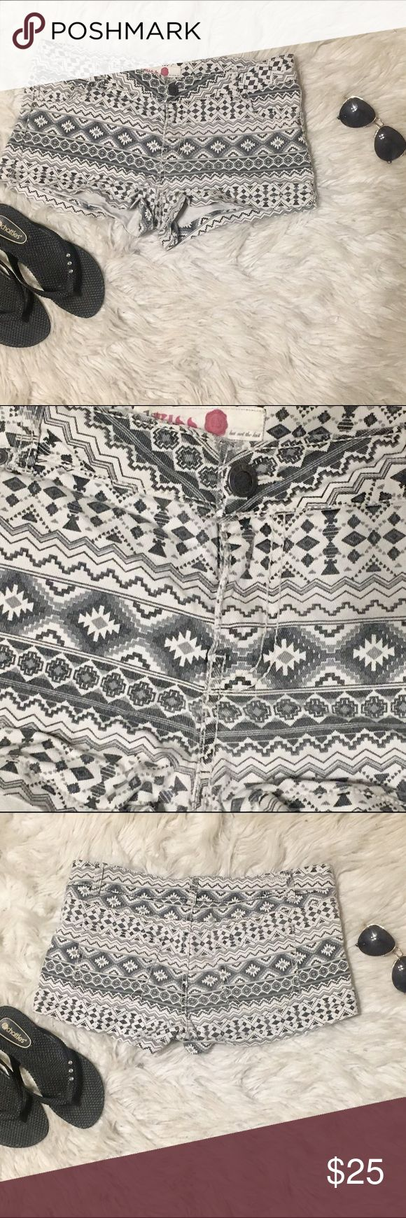 1st kiss Aztec shorts 1st kiss -Aztec shorts. Excellent condition. 99% cotton 1% spandex.has stretch to enhance your curves. Bundle and save 15% 1st Kiss Shorts