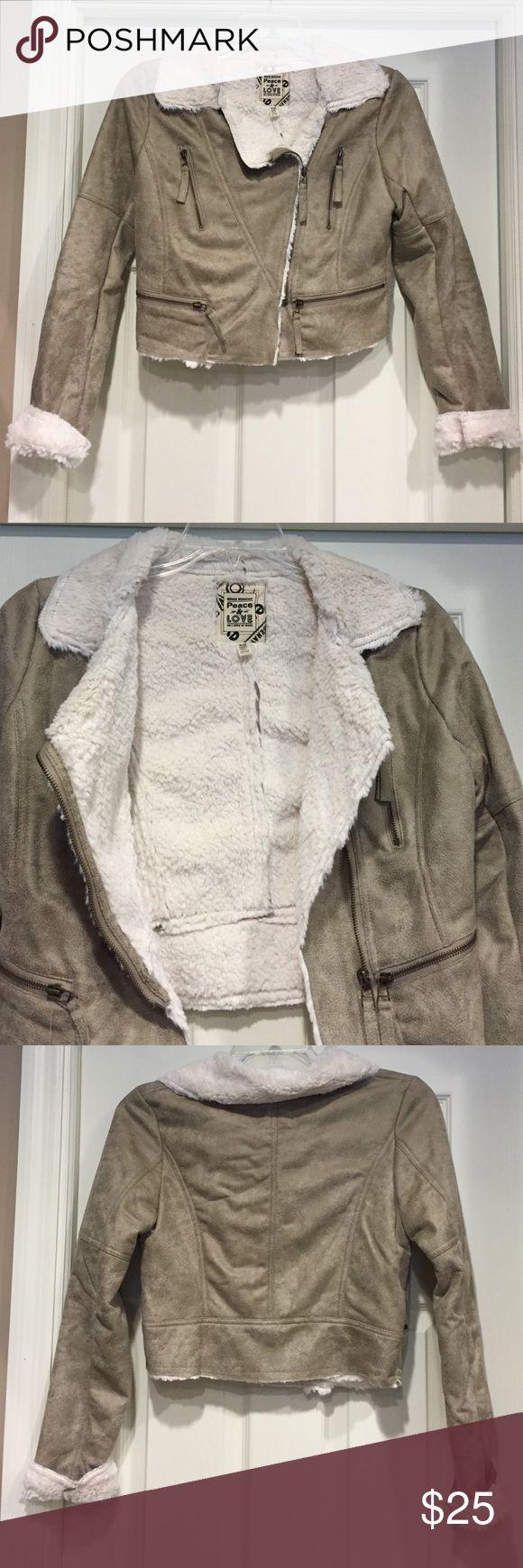 NWOT Urban Behavior Jacket Gorgeous ❤️❤️Perfect condition 🍁 Urban Behavior Jackets & Coats