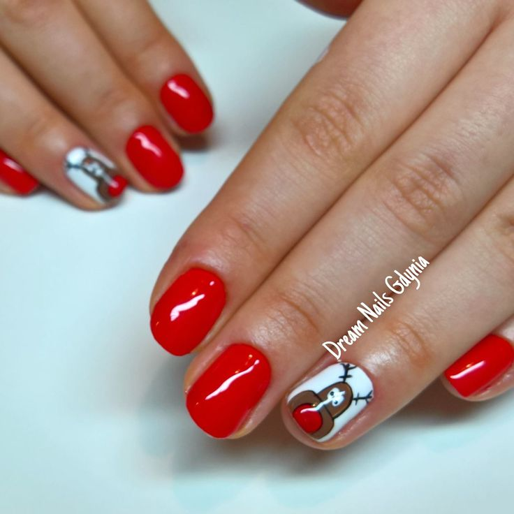 Red christmas nails art