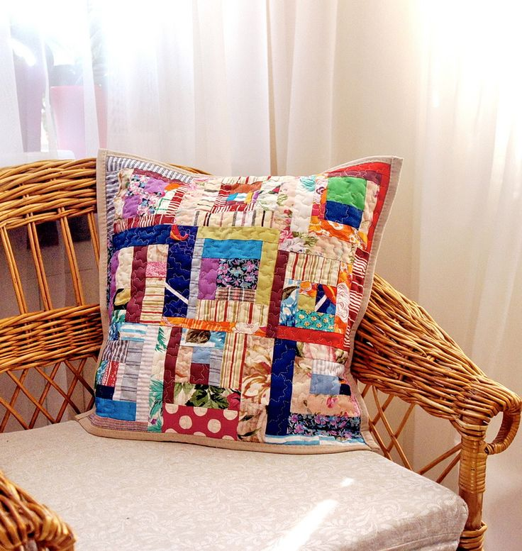 Cozy cushion with crazy patchwork/ Лоскутная подушка в технике крейзи пэчворк # crazy patchwork #cushion #pillow #подушки # лоскутные подушки