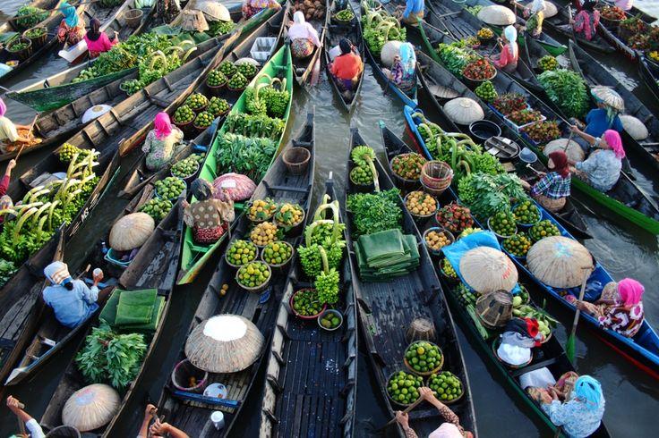 Pasar Terapung Pasar Tradisional yang Unik di Kalimantan Selatan - Kalimantan Selatan