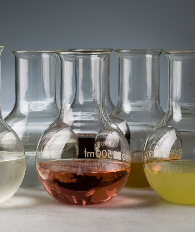 Με χυμό από λεμόνι, πορτοκάλι και ρόδι φτιάχνουμε τα δικά μας αναψυκτικά με ανθρακικό ή χωρίς!