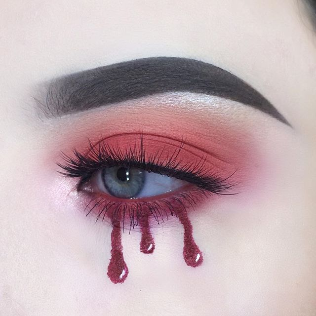blood red💉 - inspired by @dumb.makeup !!! - @anastasiabeverlyhills dip brow pomade in dark brown - @nyxcosmetics @nyxcosmetics_uk vivid brights liner in vivid fire - @sugarpill love+ - @bhcosmetics take me to Brazil - @primark sosu Dubai lashes