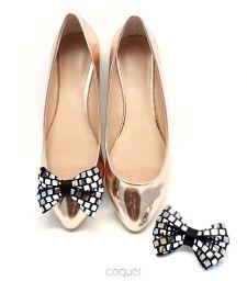 Kokardki Disco - klipsy do butów by Coquet Potrzebujesz dodatków na szaloną imprezę, chcesz wyglądać olśniewająco i zwracać na siebie uwagę? Przypnij do butów nasze klipsy!
