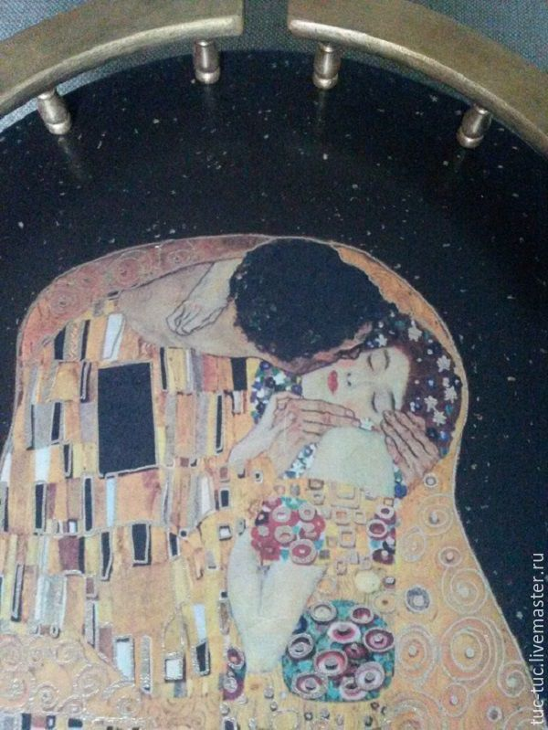 """Купить Сервировочный столик """"Поцелуй"""" Г.Климт в интернет магазине на Ярмарке Мастеров"""