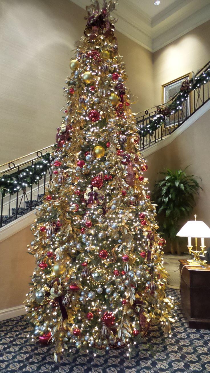 Germanic paganism amazing tabletop christmas trees decorating plan - Beautiful Tall And Traditional Gold Christmas Tree Done At The Broadmoor Hotel In Colorado Springs
