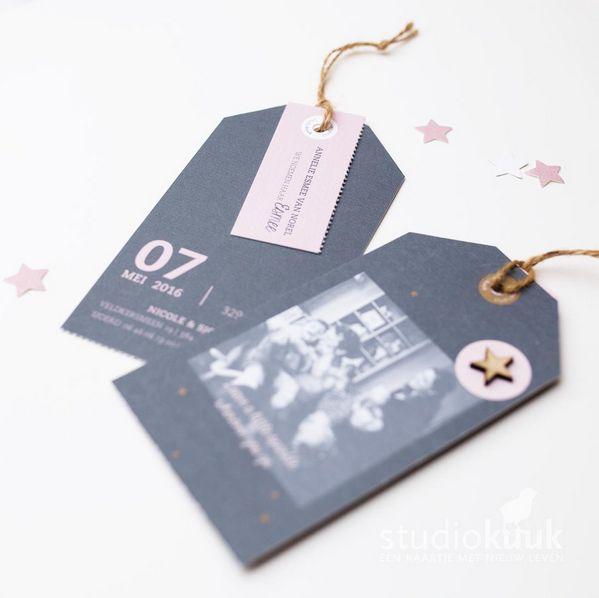 Geboortekaartje met label_labelkaartje_oud roze_donker grijs_kokostouw_geboortekaartje met foto_studiokuuk