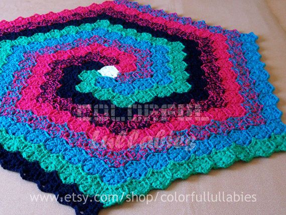 PDF Crochet Pattern. Hexagon Spiral Rug. Available in English and Spanish