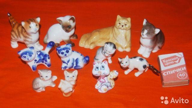 Кошки - фарфор статуэтки — Фарфоровые статуэтки кошек разных годов и стилей. Все в отличном состоянии, без сколов и трещин. Цены от 50 до 400 руб., по конкретной статуэтке уточняйте в личку. При покупке всего что на фото скопом отдам за 1500 руб.