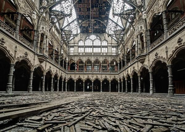 grand magasin belge abandonné