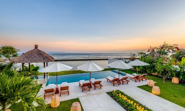 Villa Oceana is a stunning ocean front property, equipped with modern luxuries, warm staff, a private pool and jacuzzi.
