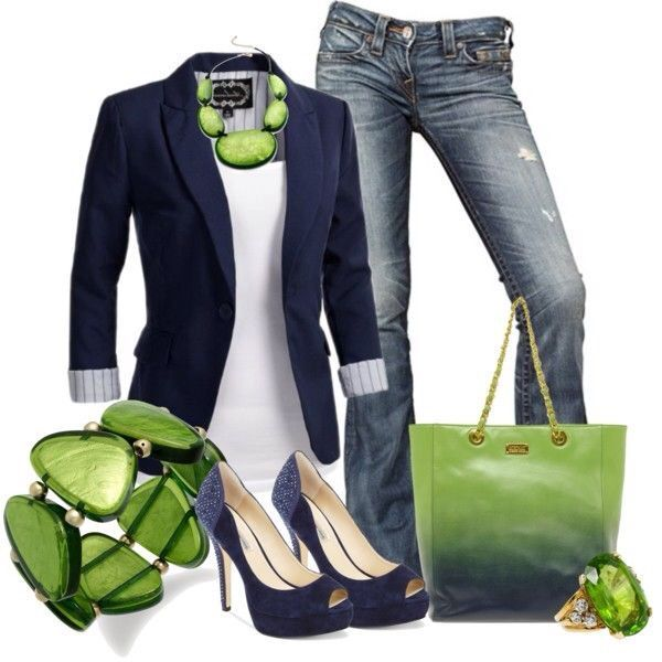 Love this navy and green color combo. #flatsmoda