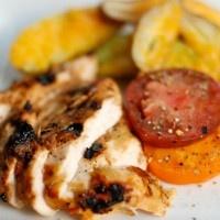 Τι πιο καλό για το Σαββατοκύριακο, από το να γεμίσετε το τραπέζι σας με ψητό κοτόπουλο; Είτε προτιμήσετε να ανάψετε κάρβουνα (αν το επιτρέπει και ο καιρός) είτε αν τελικά επιλέξετε τον φούρνο σας, το ψητό κοτόπουλο με λάιμ και …>>>