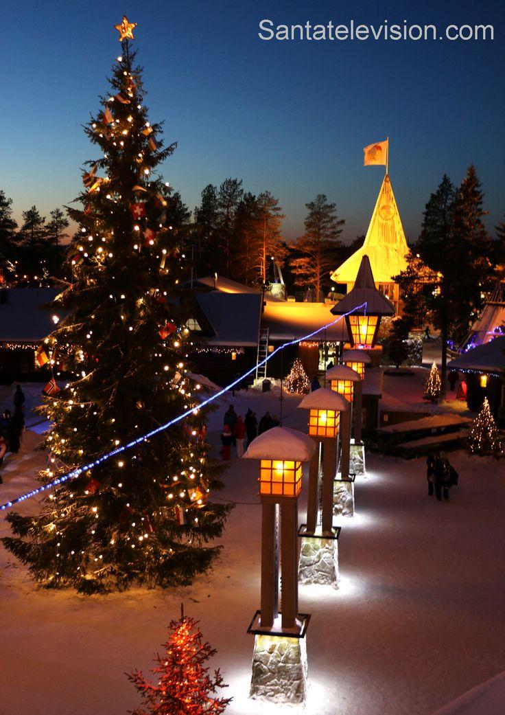 La línea del Círculo ártico en el pueblo de Papá Noel en Rovaniemi en Laponia
