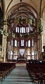 Basilique St. Remi Altar