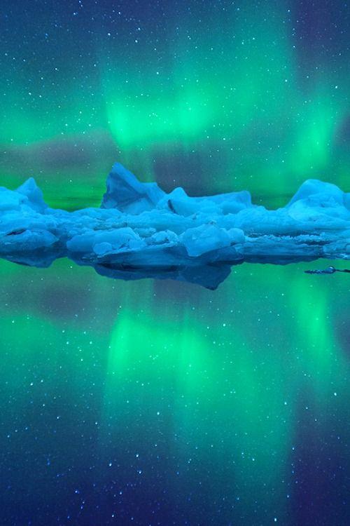 Aurora Reflection BY peerakit_popcity