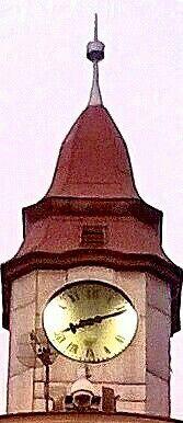 Wieżyczka z zegarem.